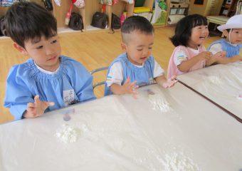 小麦粉粘土で遊んだよ!