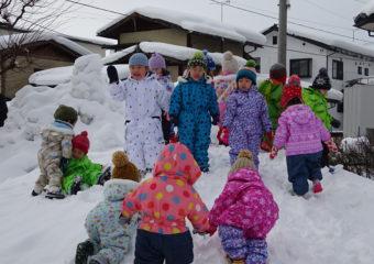 新学期初めての雪遊びをしたよ♪